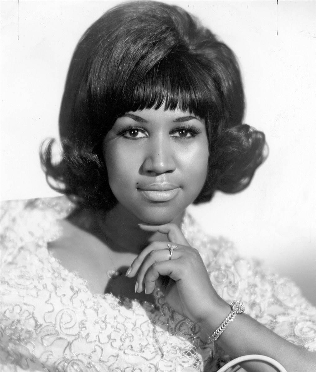 ss-101105-Aretha-Franklin-1960-portrait.today-ss-slide-desktop